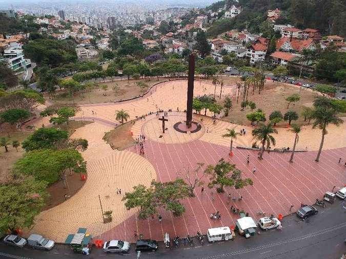 Praças de BH são tomadas no Dia das Crianças