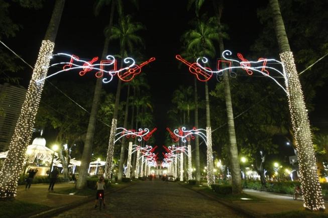 Iluminação de Natal na Praça da Liberdade