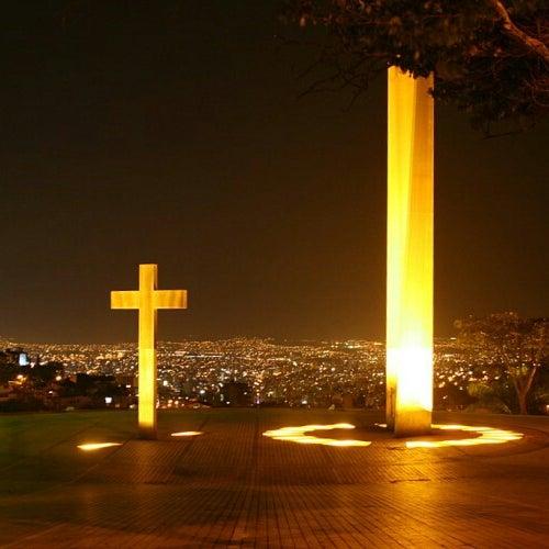 Prefeitura promete resolver problema de iluminação na Praça do Papa e em outros lugares